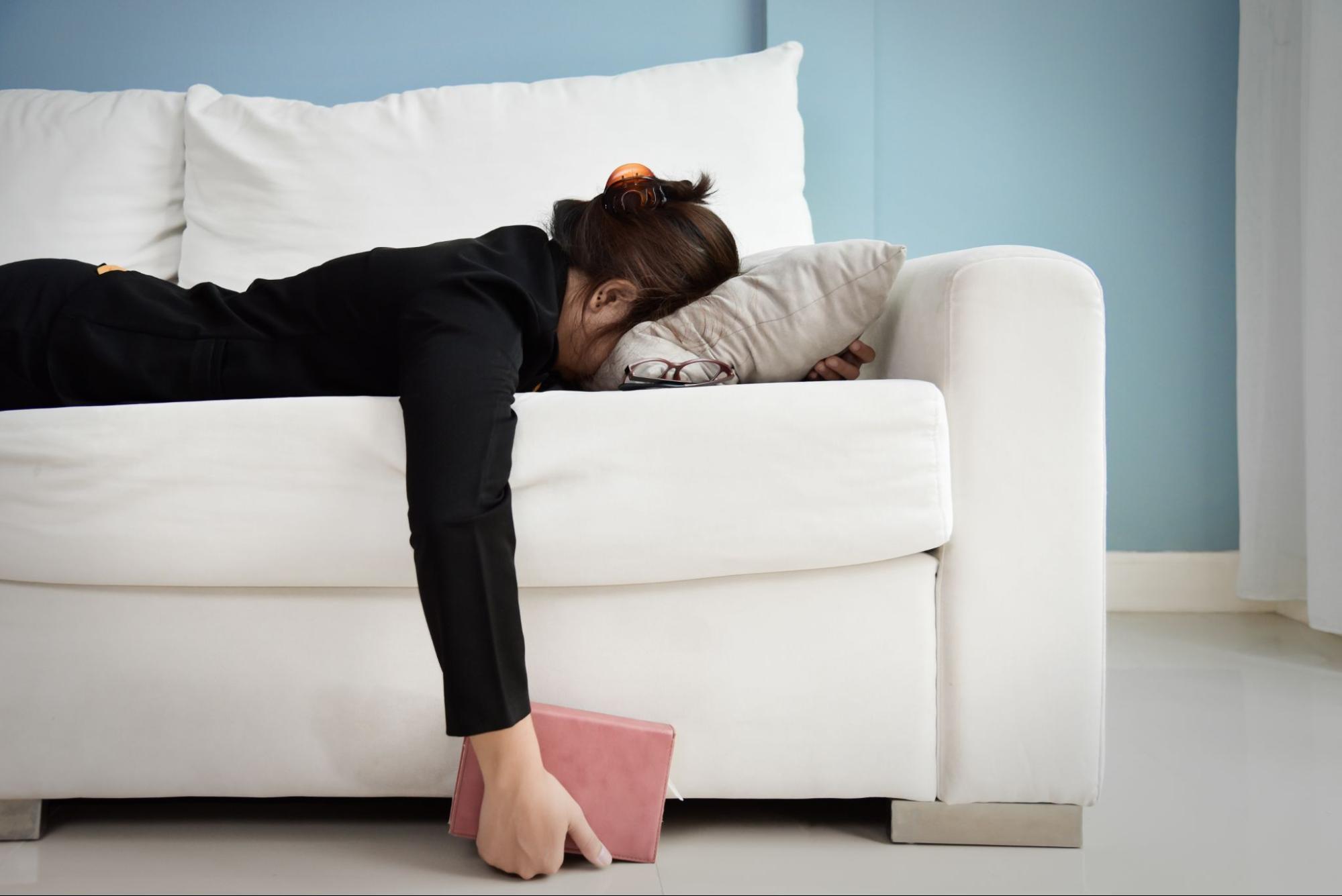 慢性疲勞症候群症狀:睡不飽、肌肉痠痛、注意力不集中