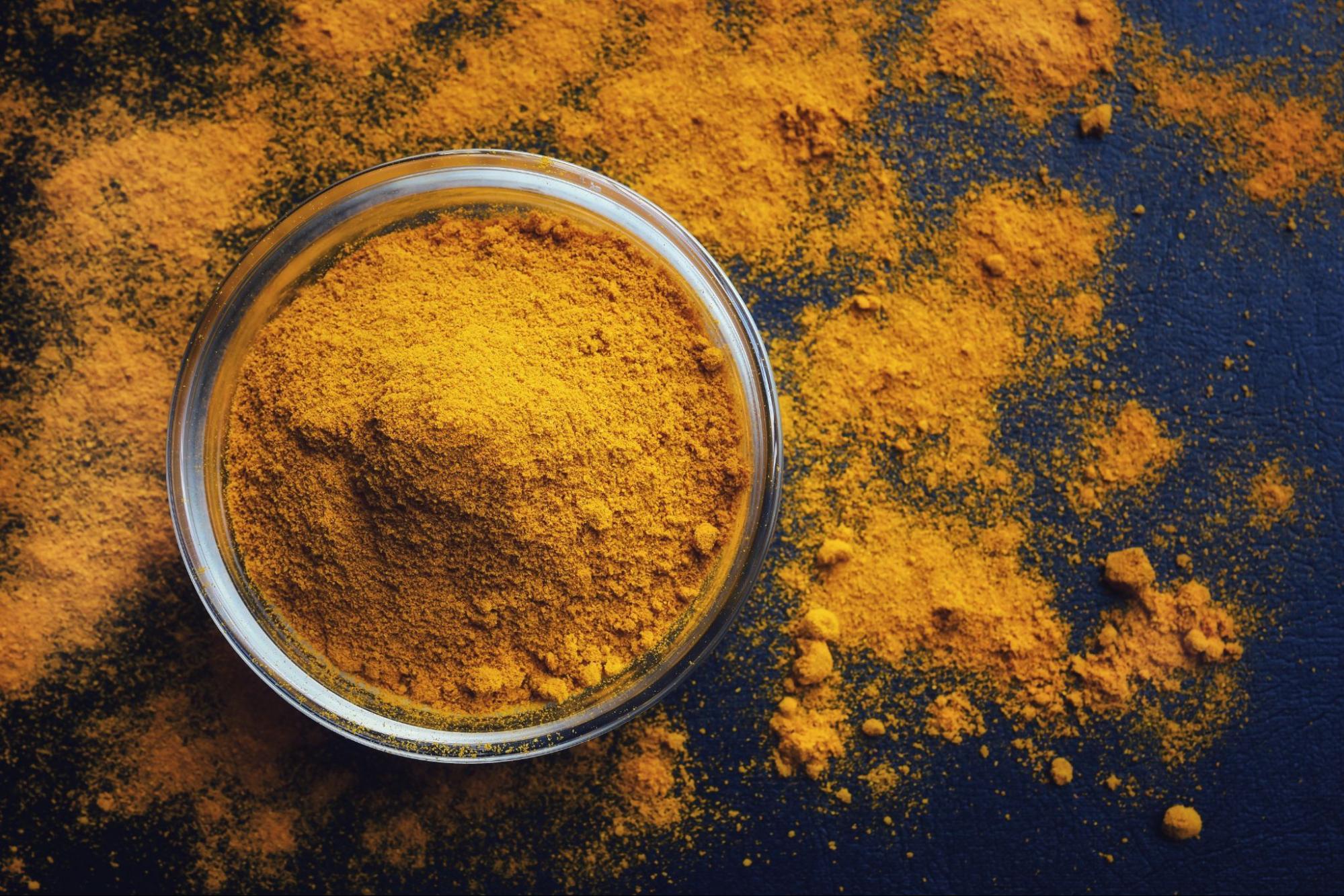 桑黃搭配薑黃一同食用,可有效發揮護肝作用